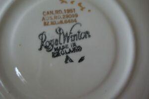 Vintage/Collectable Footed Tea Cup & Saucer Set  50.00 ( 2 Sets) Gatineau Ottawa / Gatineau Area image 4