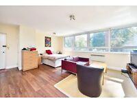 1 bedroom flat in Hilltop House, Hornsey Lane, N6