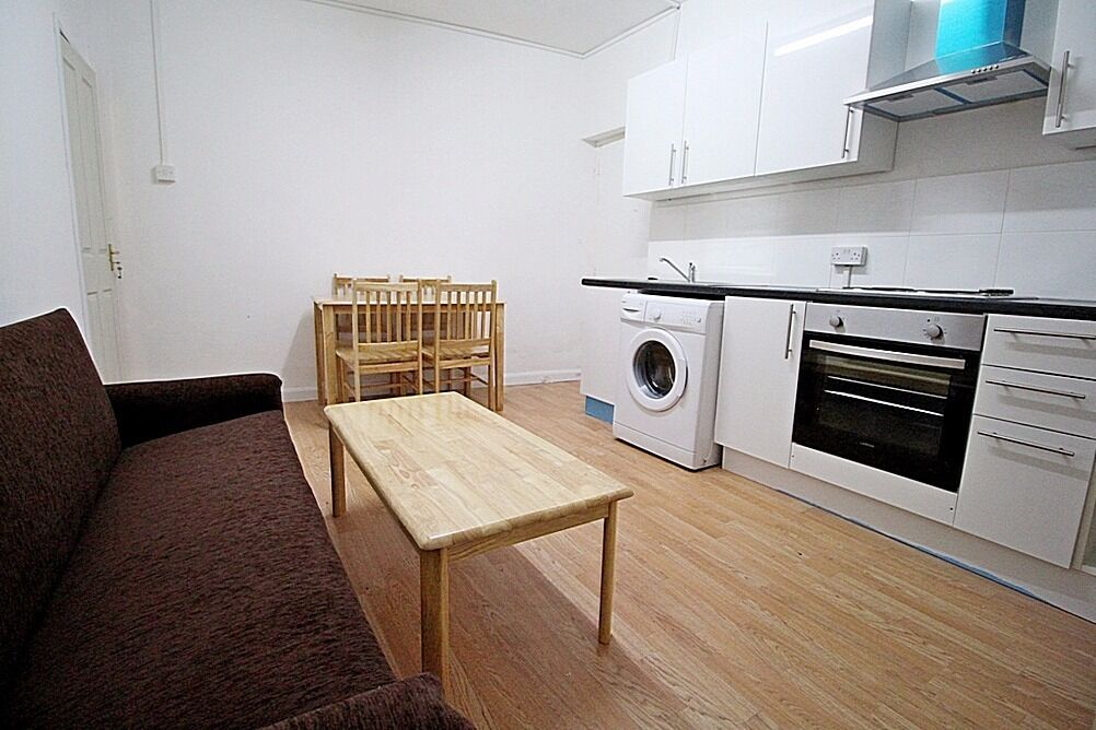 Two Bedroom Flat off Uxbridge Road in Hillingdon - Furnished Available Now