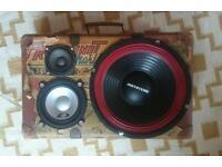 Vintage suitcase speaker box for car use