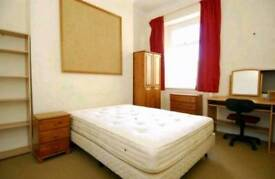 Student room for rent in shared house! Decembers rent free if taken now!