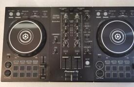 Pioneer ddj -400 decks and Presonus speakers high definition studio monitors