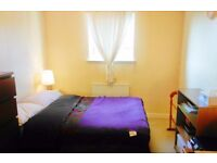 Ensuite bathroom to rent in 2 Bed flat at Partick , all bills included