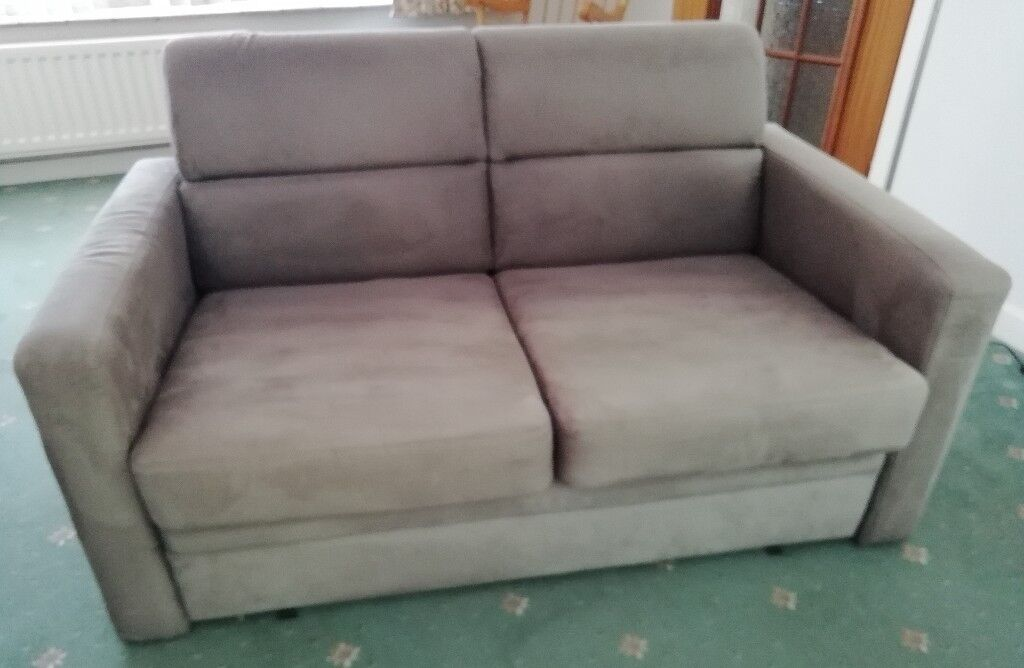 2 Seater Sofa Bed Sturdy Wooden Frame Pulls Out To Double Bed