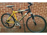 "Giant Boulder 26"" Wheels Hybrid Bike"
