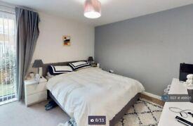 1 bedroom in Greenwich High Road, London, SE10 (#486135)