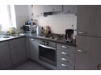 Luxury roomshare for a lady near Canary Wharf