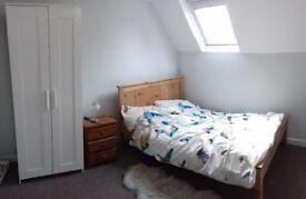 Bright double room avaliable for rent