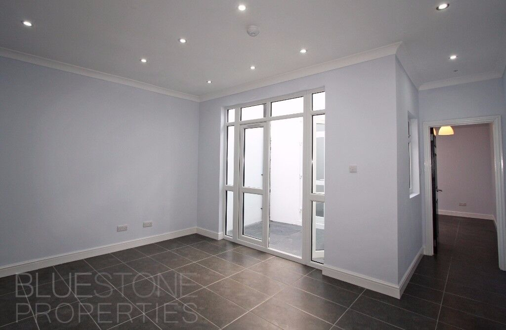 ***Available Now***1 Bedroom Flat***Brand new***Terrace***1 min