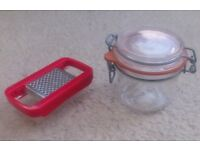 Mini grater & small airtight storage jar