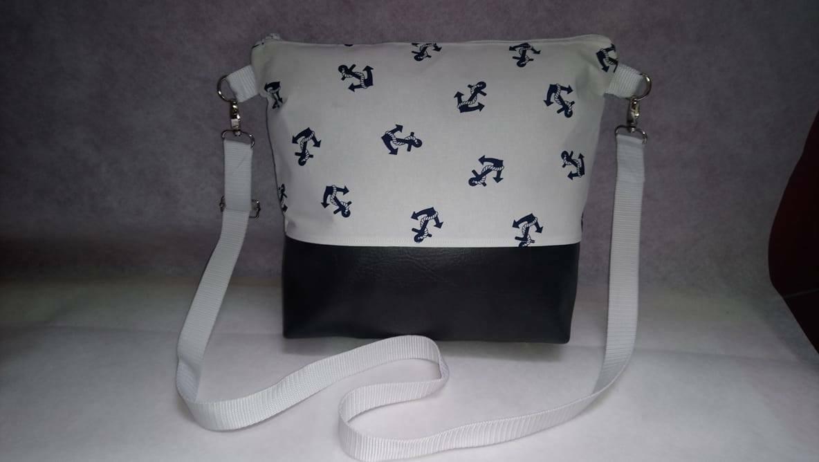 """Handtasche / Umhängetasche """" Milow """" Handmade in Weiß mit Blaue Anker"""