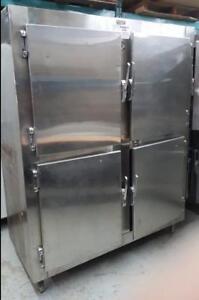 Réfrigérateur 4 portes entièrement inox de belle qualité