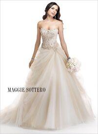 "Stunning Maggie Sottero ""Rosabel"" Wedding dress size 10"
