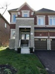 Semi-Detached Home For Lease In Aurora
