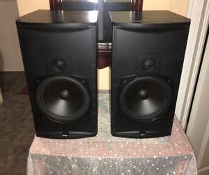 Heavy Boston Acoustic Bookshelf Speakers CR-8