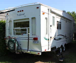 2001 Wildcat 5th wheel trailer by Forest River