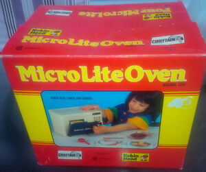 VINTAGE CHIEFTAIN ROBIN HOOD MICRO-LITE OVEN BAKING TOY w BOX