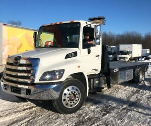 Hino 338 2019 towing, plate-forme reka 22 pieds