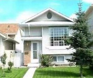 2 Bedm Upper Level Martindale NE $1000 + 60% Utils availAug 1