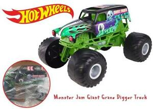 NEW Hot Wheels Monster Jam Giant Grave Digger Truck Condtion: New