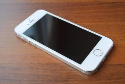 iPhone 5S 16GB Pristine