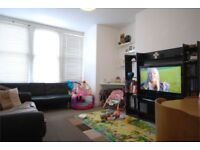 Stunning recently painted and recarpted 2 bed First floor in Furzedown/Tooting