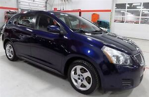 2009 Pontiac Vibe Base..LOW LOW KMS..WON'T LAST