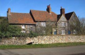 single bedsitter £650pcm, farmhouse near Hatfield, large, warm room, own transport essential