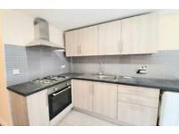 3 bedroom flat,2 bathrooms,must be seen!From private landlord, no credit check no hidden fees!
