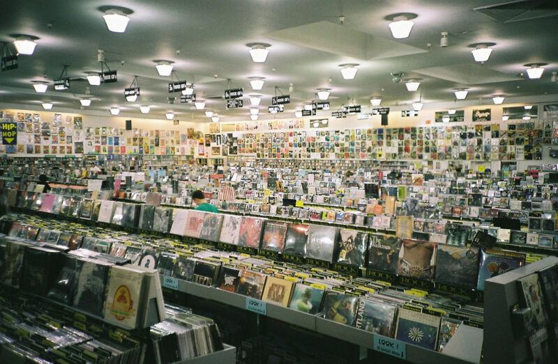 Der Plattenladen: für viele Musikliebhaber das zweite Zuhause (Chris Frewin (CC BY-NC-ND 2.0))