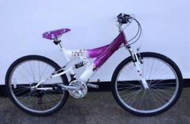 Woman's / Girls Raleigh Alpine18 Speed Mountain Bike (Like New)