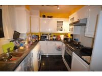 NEW TO LET** THREE DOUBLE BED IN KINGS CROSS ** CANT BEAT THE LOCATION