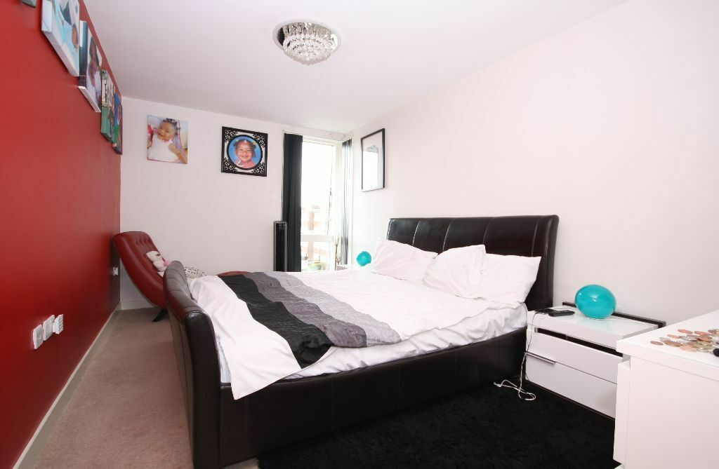 Modern 2 bed luxury apartment in Silkworks Lewisham