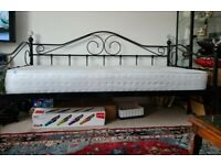 Black Daybed w/ Mattress
