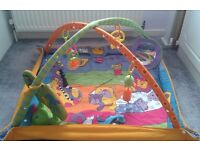 baby play mat with mirror and musical toy