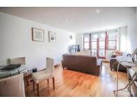 2 bedroom flat in Kingsley Mews, Wapping