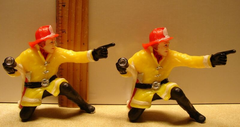 Wilton Fire Fighter Cake Topper 1979 Lot/2 #2113-4613 Hong Kong Fireman Vintage