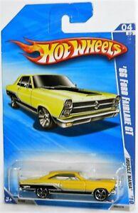 Hot Wheels 1/64 '66 Ford Fairlane GT Diecast Car