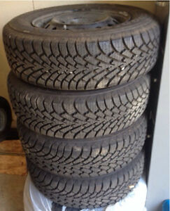 Set of 4 195/70 R14 Winter tires off 2000 Camry