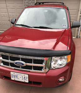 2011 Ford Escape XLT V6 SUV, Crossover with Addtl Winter Tires