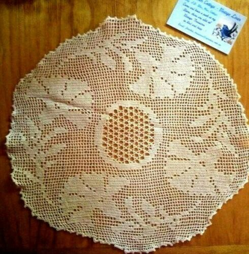 Vintage Filet Hand Crochet ~