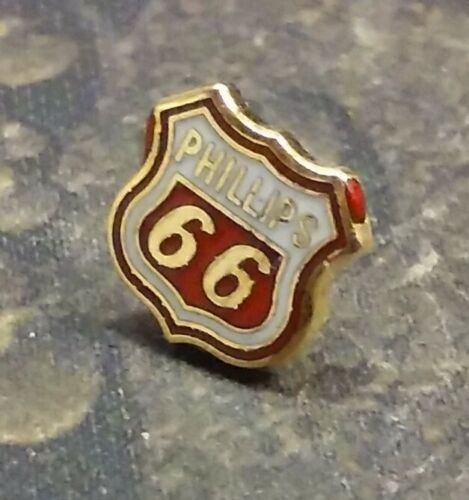 Phillips 66 Oil Company pin badge