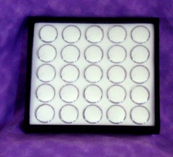 GEM TRAY STACKABLE 25 SPACE WHITE FOAM & BLACK TRAY