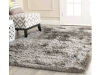 Almost new v modern stylish vvv thick Shaggy rug in champagne/gold