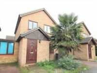 Fantastic 3 bedroom spacious house in Datchet available now ***PROFESSIONALS ONLY***