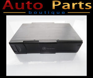 MERCEDES C350 S500 2003-2007 CD CHANGER W/O MAGAZINE 2208274642