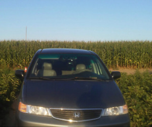 Good condition but need transmission Honda odyssey