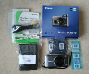 Canon PowerShot SX220 HS Camera with Leather Case