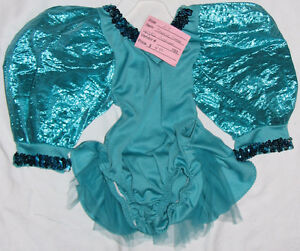 Girls Size 24 Months / 2T Clothes (Tops, Pants, Coats, Dresses ) London Ontario image 6