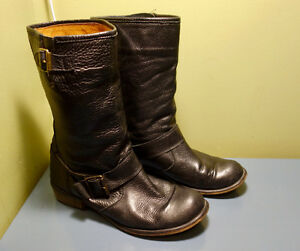 Women's boots and shoes. size 10